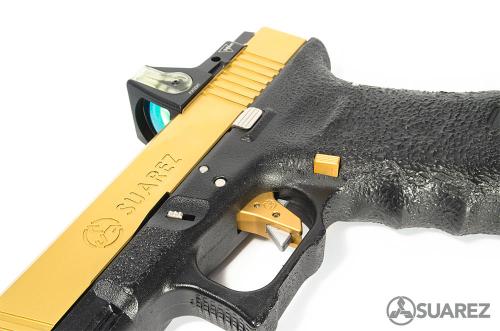 El-Gringo-gold-Glock_4